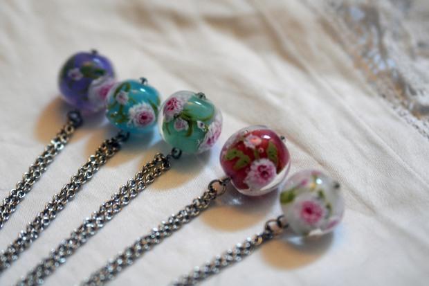 Collier perle de verre marie antoinette la bohème bohème artiste