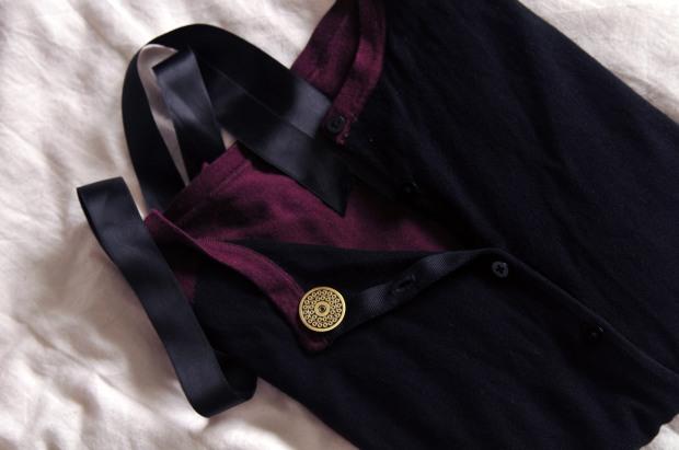 Pins médaillon broche ruban de satin noir yinz pinz cc Torch Face pins yinz pinz