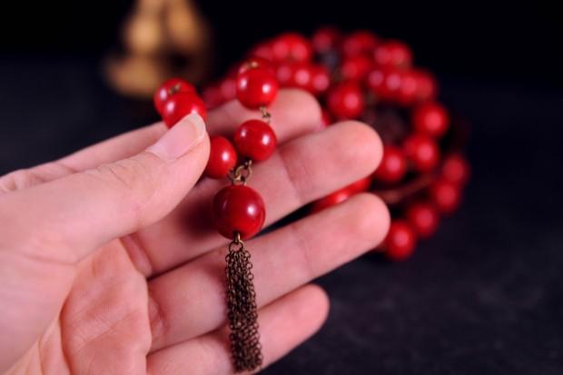 inspiration mala 54 perle artisanal en perle de verre ponpom en chaines meru