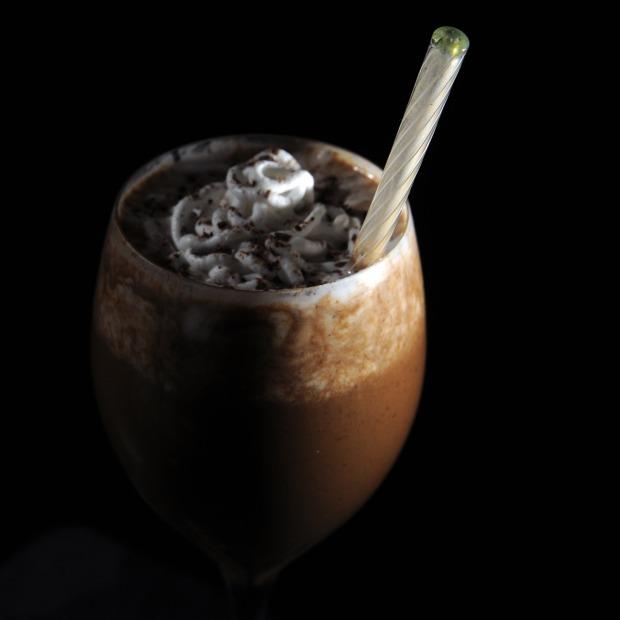 Boisson chaude végétalienne lait végétal crème de noix de coco