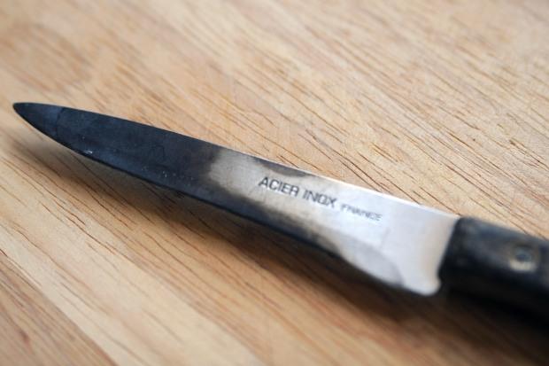 lame user d'un couteau de cuisine lame émoussée