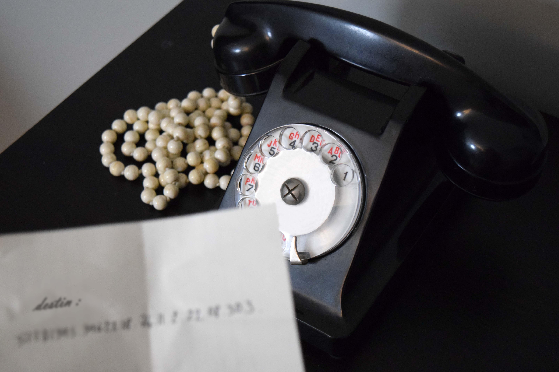 tnumero-de-telephone-de-la-destinee-numerologie-detournement-dobjet-telephone-nathalie-crottaz